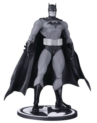 DC Comics Batman Black & White Akciófigura - Hush Batman by Jim Lee 17 cm