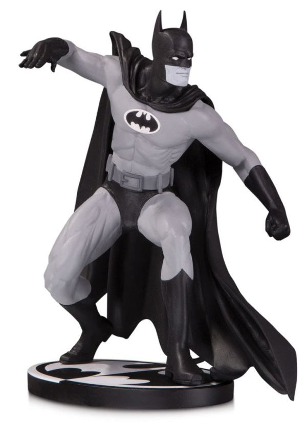 x_dccjun190629 Batman Black and White Szobor - Batman by Gene Colan 17 cm