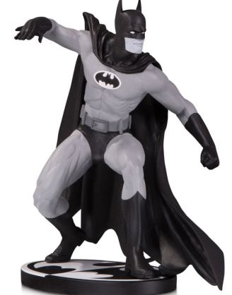 x_dccjun190629 Batman Black and White Szobor - Batman by Gene Colan 17 cm