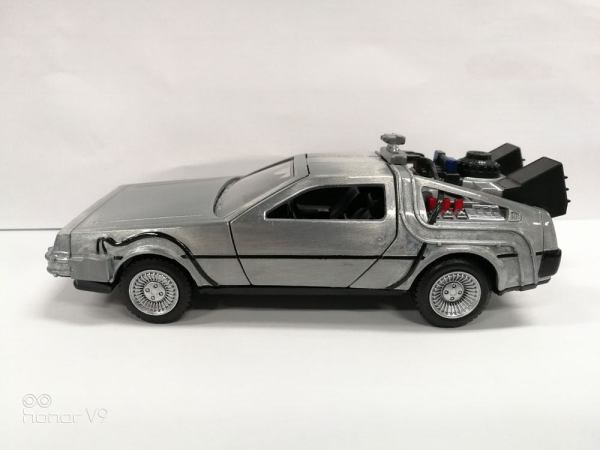 Back to the Future Hollywood Rides Diecast Model 1/32 - DeLorean Time Machine