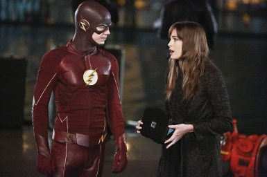 "The Flash -- ""King Shark"" -- Image FLA215b_0091b -- Pictured (L-R): Grant Gustin as Barry Allen / The Flash and Danielle Panabaker as Caitlin Snow -- Photo: Bettina Strauss/The CW -- © 2016 The CW Network, LLC. All rights reserved."