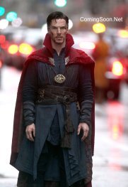 "NEW YORK, NEW YORK - APRIL 02: Benedict Cumberbatch filming Marvel Picture's ""Dr. Strange"" on April 2, 2016 in New York City. (Photo by Steve Sands/GC Images)"