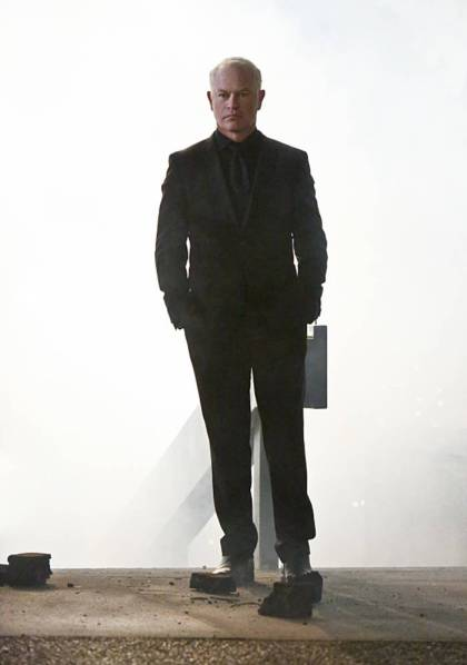 """Arrow -- """"Schism"""" -- Image AR423a_0118b.jpg -- Pictured: Neal McDonough as Damien Darhk -- Photo: Bettina Strauss/The CW -- © 2016 The CW Network, LLC. All Rights Reserved."""