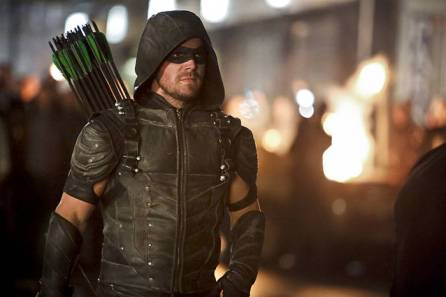 """Arrow -- """"Schism"""" -- Image AR423b_0243b2.jpg -- Pictured: Stephen Amell as Green Arrow -- Photo: Bettina Strauss/The CW -- © 2016 The CW Network, LLC. All Rights Reserved."""