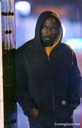 """NEW YORK, NY - DECEMBER 03: Mike Colter from """"Luke Cage"""" filming Marvel's """"The Defenders"""" on December 3, 2016 in New York City. (Photo by Steve Sands/GC Images)"""