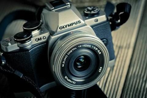camera-1077853_640-480x320 【悲報】デジカメ世界出荷、9月32%減 CIPA調べ