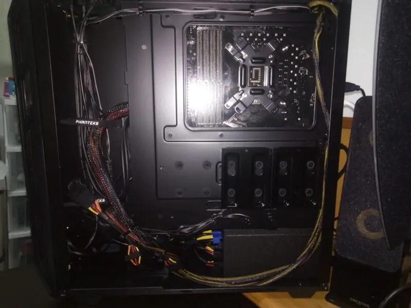 rtlnhEU 【PC】パソコン買ったんだけどSSDとかってどこに設置するの?