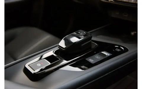 1iEv6vo-480x300 【悲報】トヨタ自動車さん、コンパクトカーが日産とホンダに比べて手を抜き過ぎ