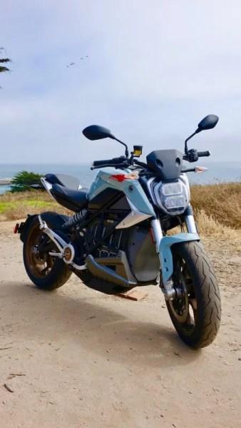 4LmKjsT-338x600 市販車と市販バイクってどっちが速い?