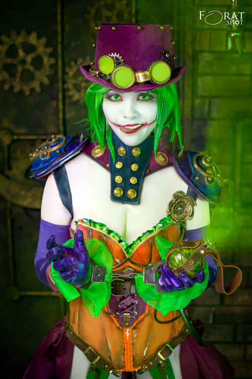 Duela Dent Amp Little Genderbend Joker Cosplay