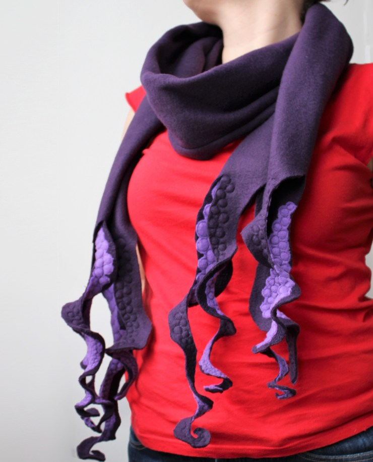 geeky bobbin free motion quilted octopus tentacle scarf