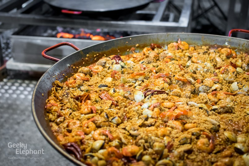 Savour 2015: UNA@Rochester—Seafood and Chicken Paella