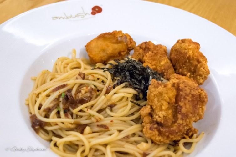 Ambush: Spaghetti Aglio Olio Con Pollo Croccante
