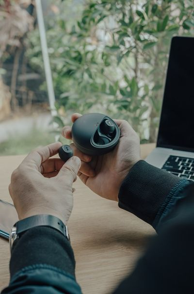 What Should You Check For In An Earbud While Buying Them? - Buying Guide