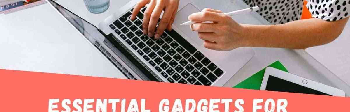 10 Best Essential Gadgets for Online Teaching in India