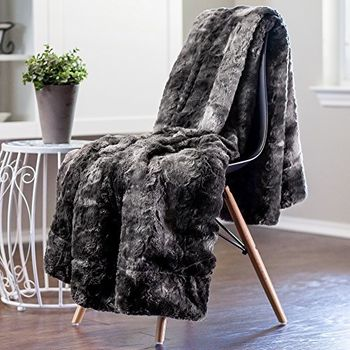 Best Blankets for Winter in India to Sleep Warm at Night 10