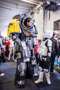 Warhammer and Scout trooper - Sci-Fi World