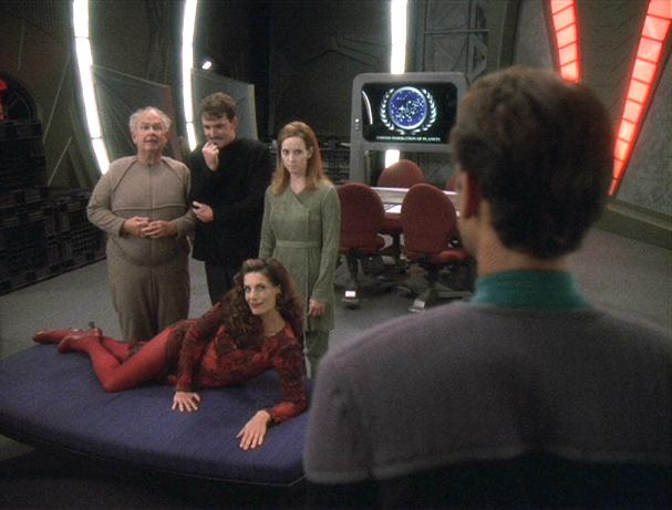 "Screenshot of DS9's ""Statistical Probabilities,"" with the engineered humans and Bashir."