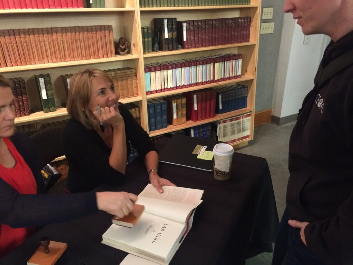 Jahren steps outside the scientific world to talk to people and sign copies of her new book.