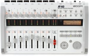 Zoom R16 8 input Recorder