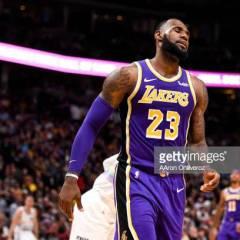 LeBron James loukkasi nivusensa – Lakers isoon voittoon kauhunhetkistä huolimatta