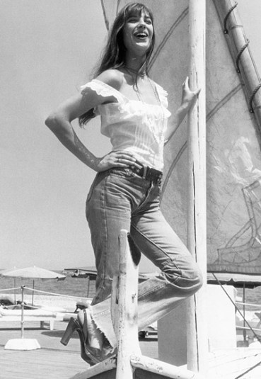 Photo Credit [Pinterest] Jane Birkin in white lace top & cropped jeans