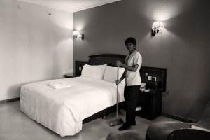hilton, hotelpersoneel, kamermeisje, tanzania