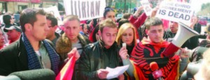 protesta-ambasada-maqedonase1-650x250