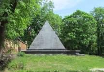 Die Pyramide von Schönefeld