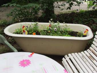 Badewanne draußen