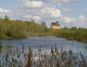 Sanfte Hügel und romantische Seen