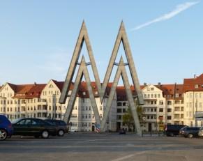 Doppel-M, Prager Straße