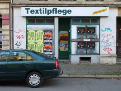 Textilpflege, Papiermühlstraße