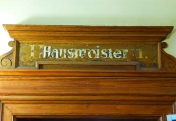 Placa del portero en la Volkhochschule