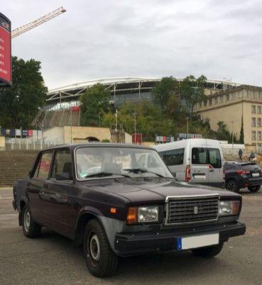Lada am Stadion