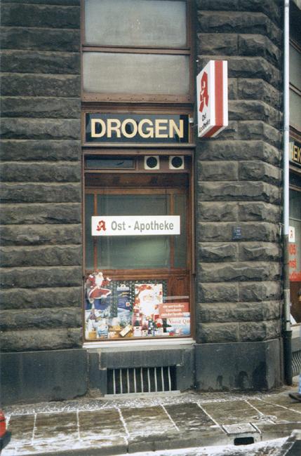 Die Ost-Apotheke zu Beginn der 1990er Jahre