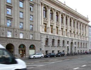 Ganos (links unten) und Stadtbibliothek