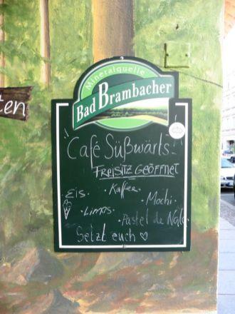 Freisitz-Hinweis des Café Süßwärts