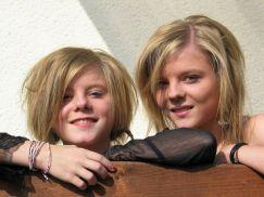 Carolin und Isabel (v.li.) 2010 in Rückmarsdorf