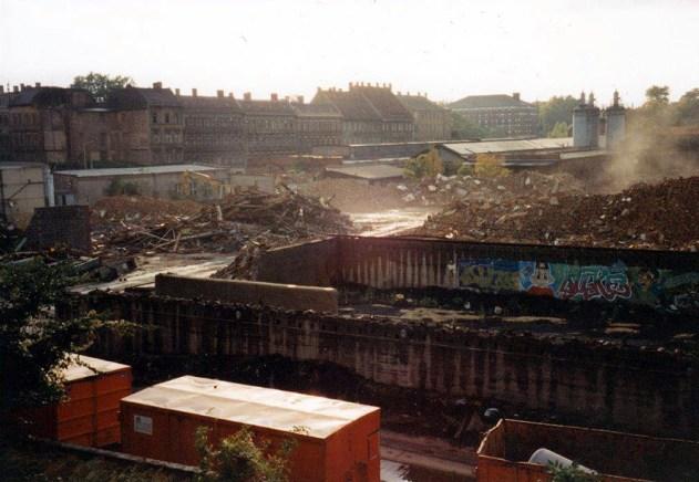 Polygraph-Gelände 1995, hinten: Zweinaundorfer Straße