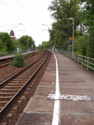 S-Bahn-Haltepunkt Anger-Crottendorf, Blick Richtung Sellerhausen