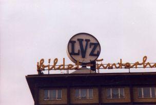 LVZ-Werbung in der Universitätsstraße, Foto aus den 1990ern
