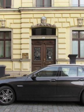 Blaue Mütze in der Lortzingstraße