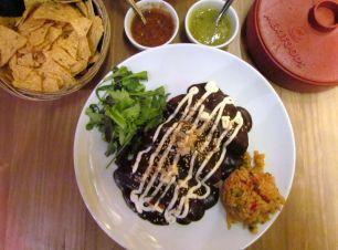 Enchiladas de Mole im Gallo Negro