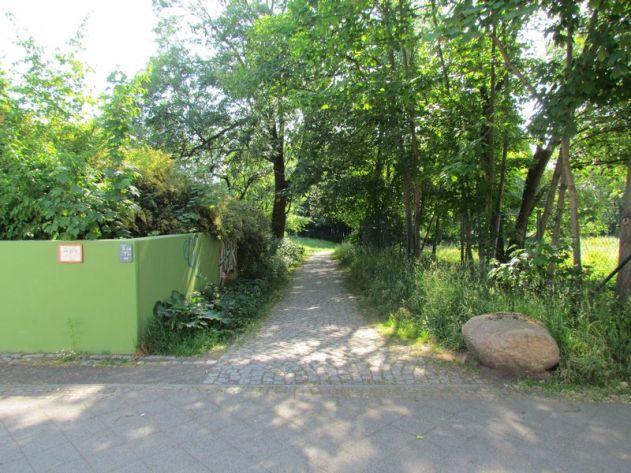 Weg von der Windorfer Straße ins Küchenholz