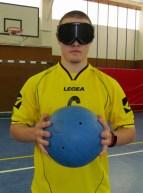 … mit Ball und Brille