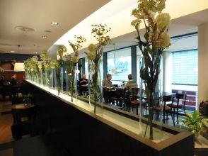 Im Karstadt-Restaurant (Fenster zur Petersstraße)