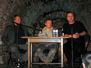 Uwe Stöß mit Axel Thielmann (li.) und Henner Kotte in der Moritzbastei