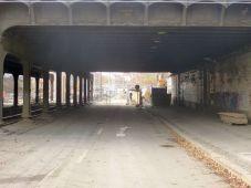 Alte Bahnbrücke in der Berliner Straße im November 2012