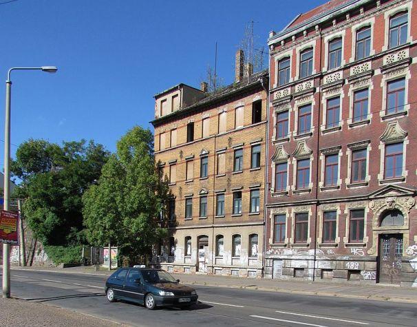 Wurzner Straße an der alten S-Bahn-Haltestelle Sellerhausen im September 2012